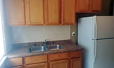 Kitchen, 7212 Columbia Ave, 2