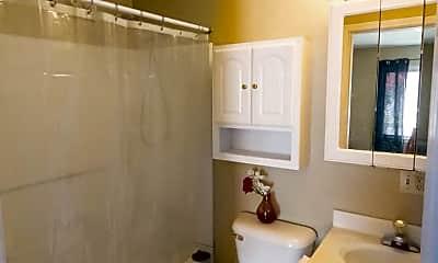Bathroom, 1619 W Gilbert St, 2