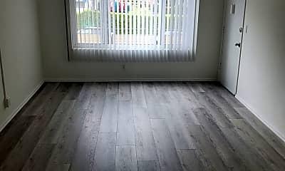 Living Room, 4122 W 2nd St, 0