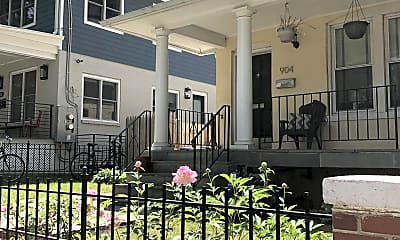 Building, 904 Webster St NW, 1