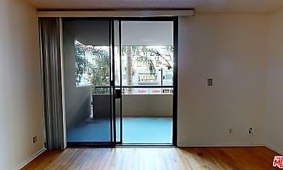 Living Room, 600 W 9th St 309, 1