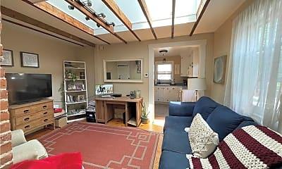 Living Room, 11 Braman St 2, 0