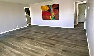 Living Room, 1115 Sage St, 2