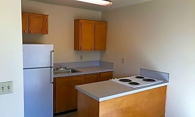 Kitchen, 380 E Clarendon St, 1