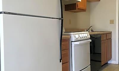 Kitchen, 415 Oldham Ave, 2