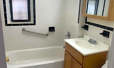 Bathroom, 2600 University Ave, 2