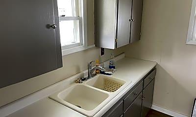 Bathroom, 1628 Dewey Ave, 2