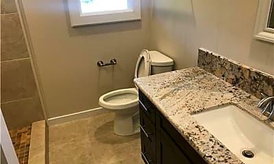 Bathroom, 2542 Tantalus Dr, 1