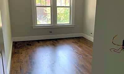 Bedroom, 2614 W Leland Ave, 1