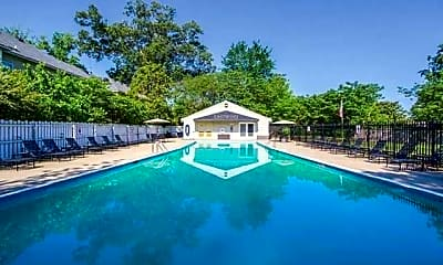 Pool, Eastwind, 2