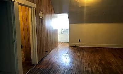 Living Room, 730 Vattier Street, 2