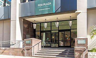 Fox Plaza, 1