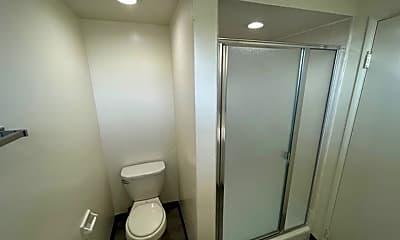 Bathroom, 933 Arcadia Ave, 2