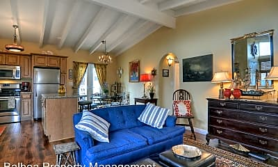 Living Room, 407 Heliotrope Ave, 2