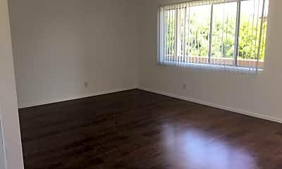 Living Room, 21014 Reynolds Dr, 1