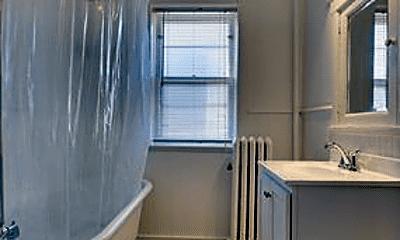 Bathroom, 598 Lincoln Ave, 2