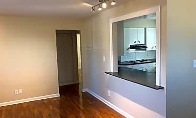 Living Room, 2718 S Stewart Ave, 1