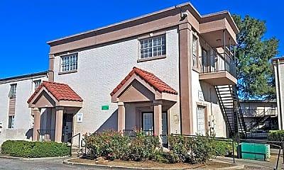 Building, 3500 S Riverside Dr, 1