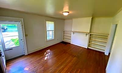 Living Room, 812 Oak St, 1