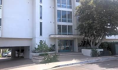 Crown Point Villas Condominiums, 1