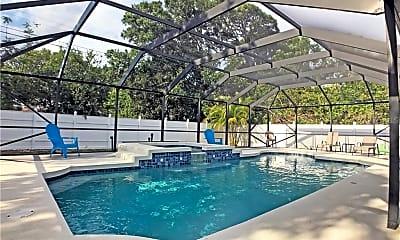 Pool, 2843 New England St, 1