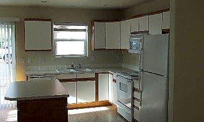 Kitchen, 2059 SW Canyon Dr, 1