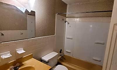 Bathroom, 2723 Curtview Dr, 2