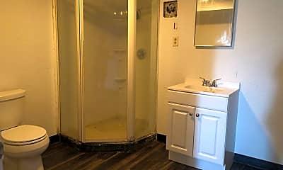 Bathroom, 227 Park Rd, 2