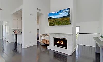 Living Room, 717 Fernleaf Ave B, 1