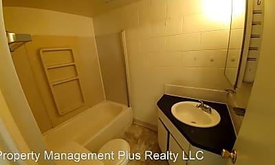 Bathroom, 6 4th Ave, 2