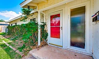 Patio / Deck, 807 Boyd Ave, 1