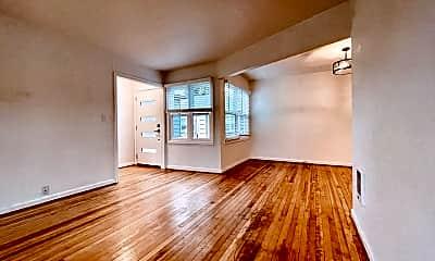 Living Room, 2400 N Killingsworth St, 0