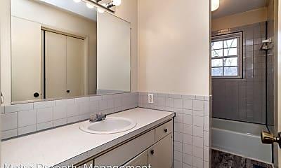 Bathroom, 4 Wing Ln, 2