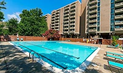 Pool, 300 M St SW N310, 1
