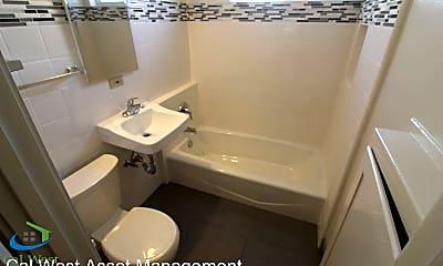 Bathroom, 33 E Empire St, 2
