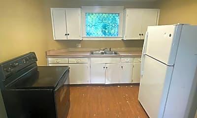 Kitchen, 3101 Broadway, 2