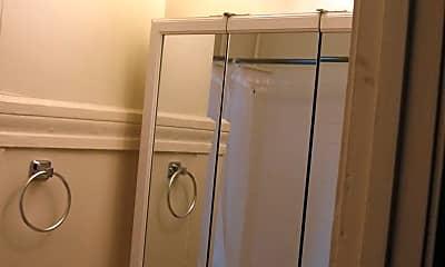 Bathroom, 1677 Sacramento St, 2