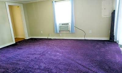 Living Room, 517 Queens Creek Rd, 1