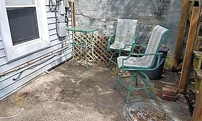 Patio / Deck, 2219 Flora St, 1