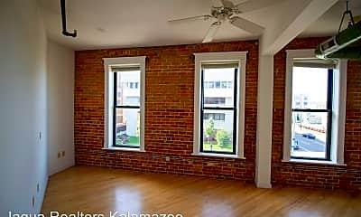 Living Room, 344 N Rose St, 0