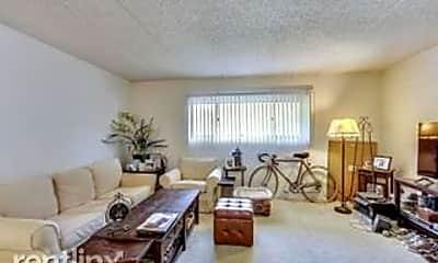 Living Room, 3853 N Parkway Dr, 0