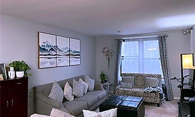 Living Room, 87-70 173rd St 5E, 1