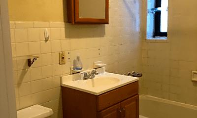Bathroom, 660 4th Ave, 1