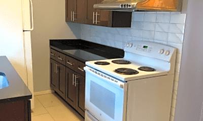 Kitchen, 639 Mercy St, 1