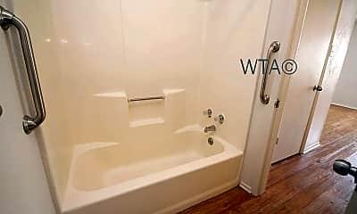 Bathroom, 205 Craddock, 2