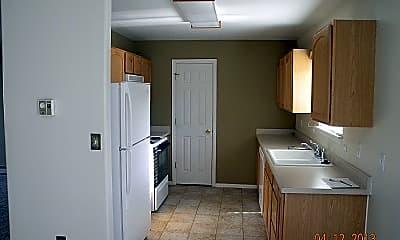 Kitchen, 660 Crossing St, 1