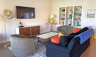 Living Room, 8 Valencia Dr, 1