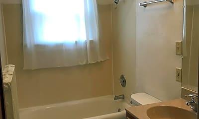Bathroom, 805 West, 2