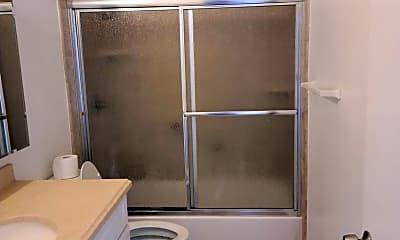 Bathroom, 910 W 26th St, 2