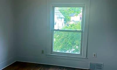 Living Room, 128 S Hosmer St, 1